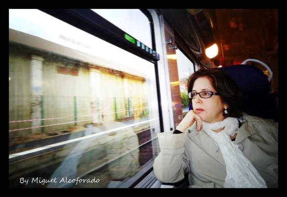 Laura By Miguel Alcoforado - Viagem de volta Paris - Alemanha