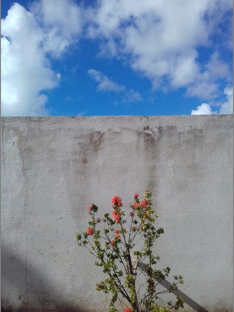 Por aí... By Kika Domingues